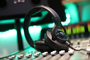 sonarworks-mixing-with-headphones